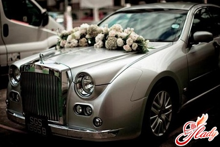 wedding cars decorated with toys