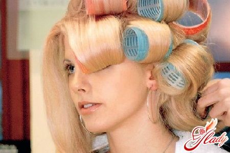 how to wind hair on curlers