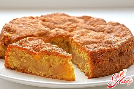 biscuit cake with apples