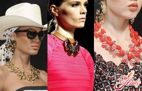 costume jewelery 2011 photo