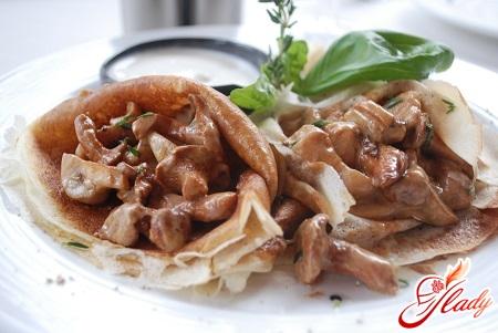 stuffed pancakes with mushrooms