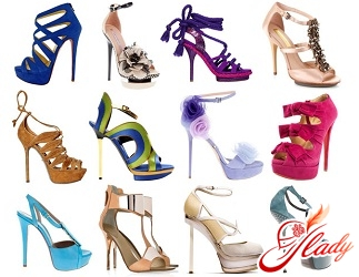 sandals on a hairpin 2016