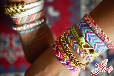 beautiful bracelets from threads with their own hands