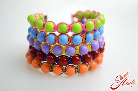 beautiful beaded bracelet with your own hands