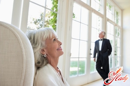what to give to parents for a silver wedding