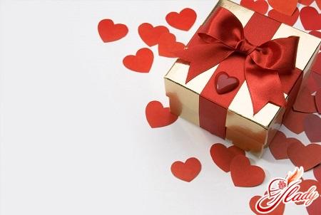 що подарувати хлопцеві на день закоханих