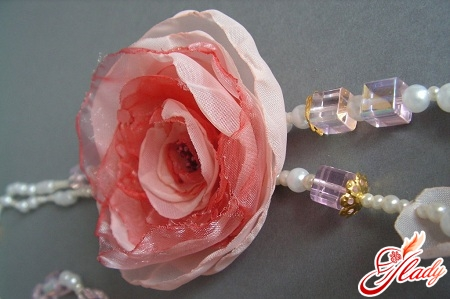 Lush flowers from organza by own hands
