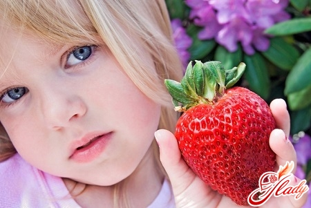 in the hypoallergenic period is prohibited the use of strawberries