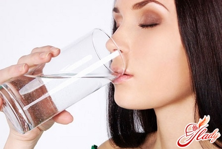 drink plenty of water with cystitis