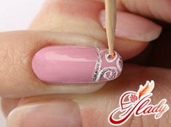 drawings on nails with rhinestones