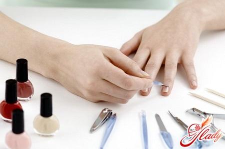 fashionable home manicure