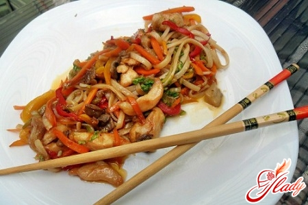 chicken noodles on home