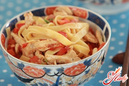 homemade noodles with chicken
