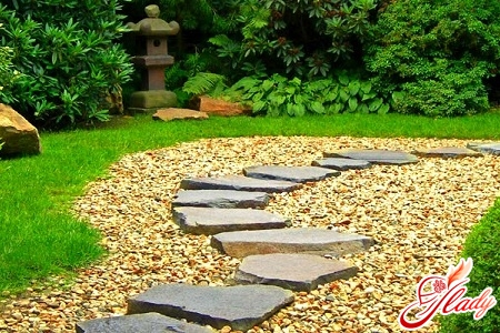 beautiful paths in the garden with your own hands