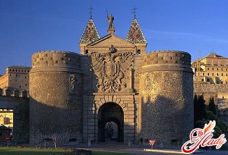 Toledo - the gate of the Puerta de Bisagra