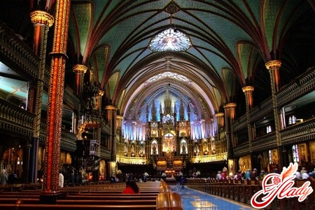 Interior of Notre-Dame de Montreal