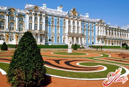 famous sights of St. Petersburg