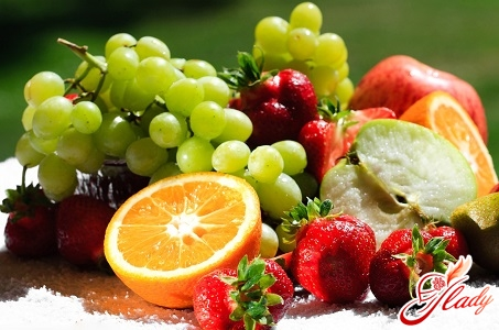 фрукти з фитоестрогенами