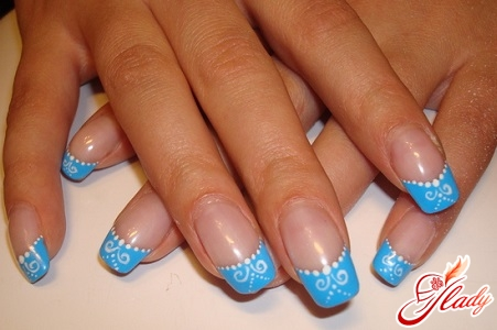 beautiful French manicure on exfoliated nails