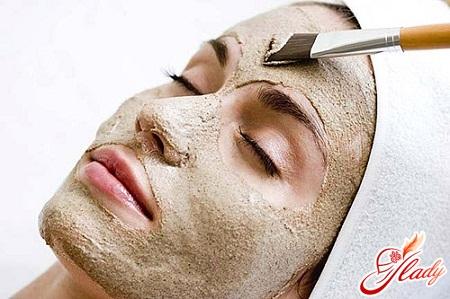 маска для обличчя з глини