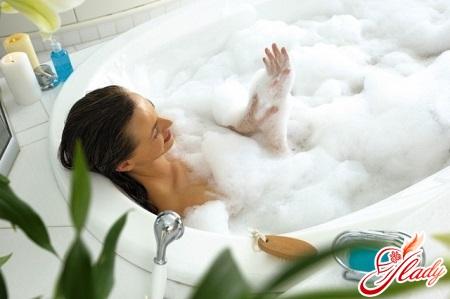 relaxing bathroom during pregnancy