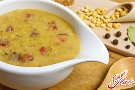 different recipes of pea soup