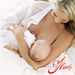 the child is lazy to suck his breast