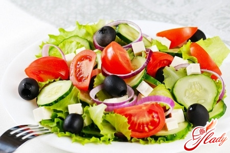 Greek salad recipe with brynza