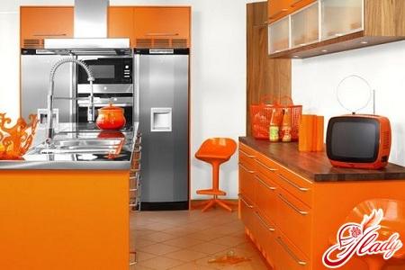 інтер'єр маленької кухні в квартирі