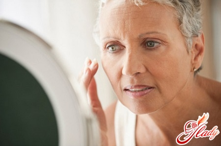 causes of artificial menopause