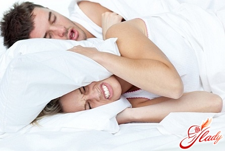 how to fight with snoring yourself