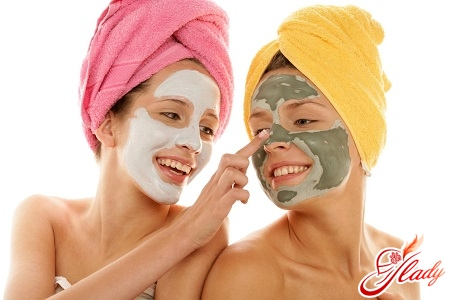 mask for the treatment of acne