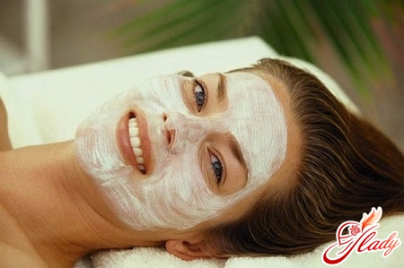 mask for treating traces of acne