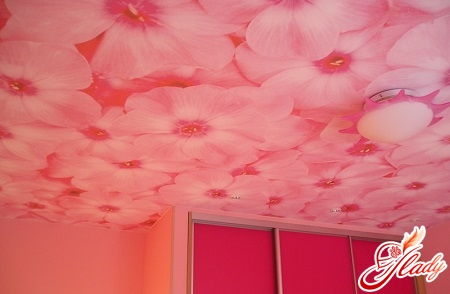 glue wallpaper on the ceiling