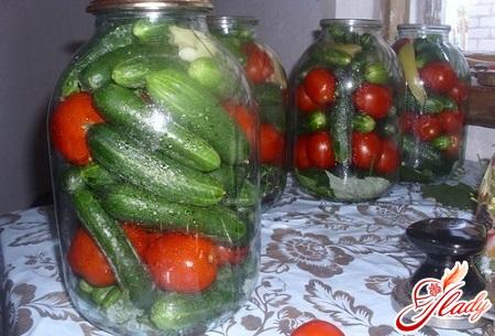 twisting cucumbers and tomatoes
