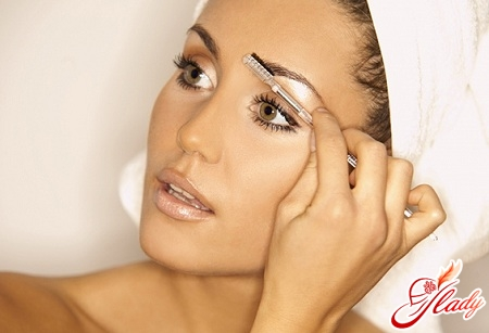 how to grow eyebrows quickly
