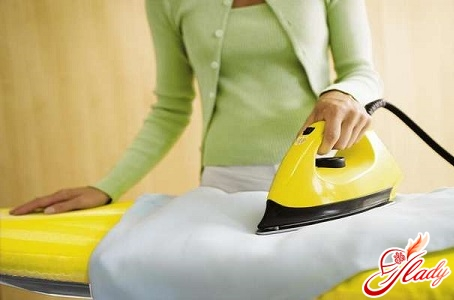 how to clean the iron at home