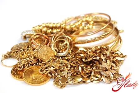 how to clean gold at home