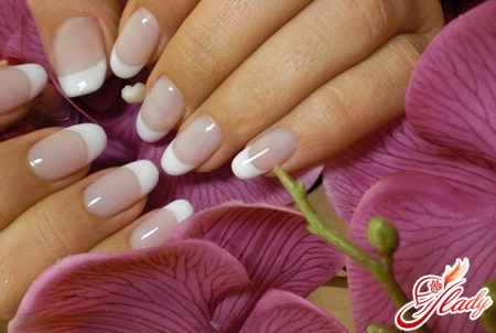 how to make a French manicure