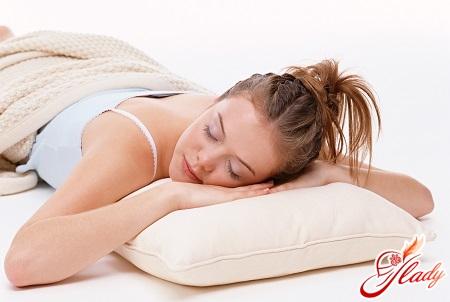 фахівці не радять спати на животі