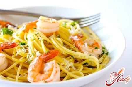 carbonara with seafood