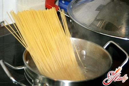 варіння спагетті