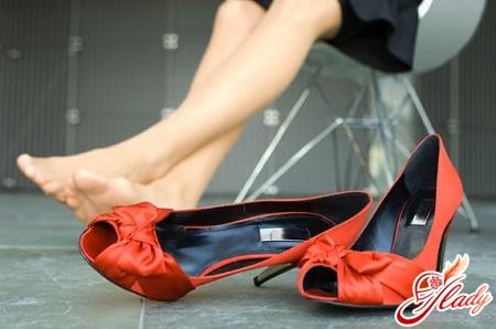 як розносити туфлі