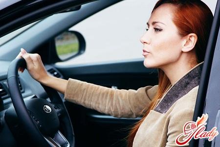 як керувати автомобілем з автоматичною коробкою передач правильно