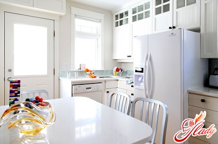 how to remove odor in the refrigerator