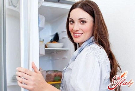 how to remove odor in the refrigerator yourself