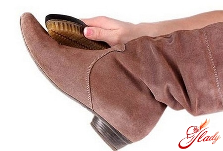 how to take care of suede boots in winter