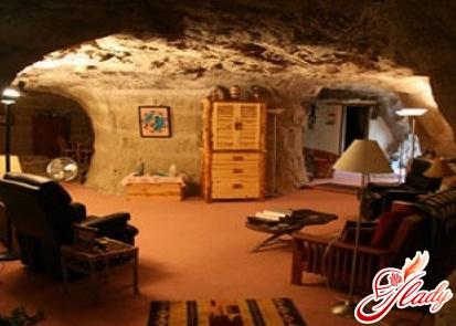 Найнезвичайніші готелі світу - Kokopelli's Cave