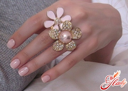 Unusual rings - an attractive novelty of the season