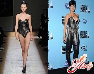 Fashionable corsets 2011